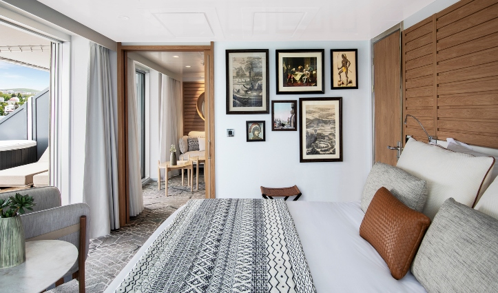 Le Laperouse Owner's Suite