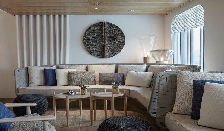 Main Lounge Le Laperouse