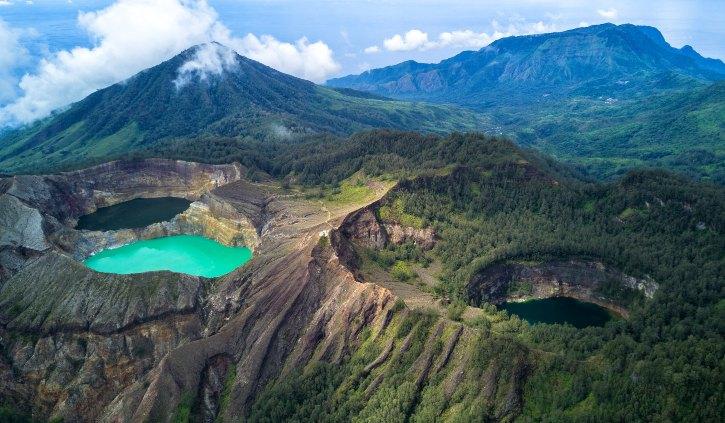 Tricolour Lake Kelimutu, Flores, Indonesia