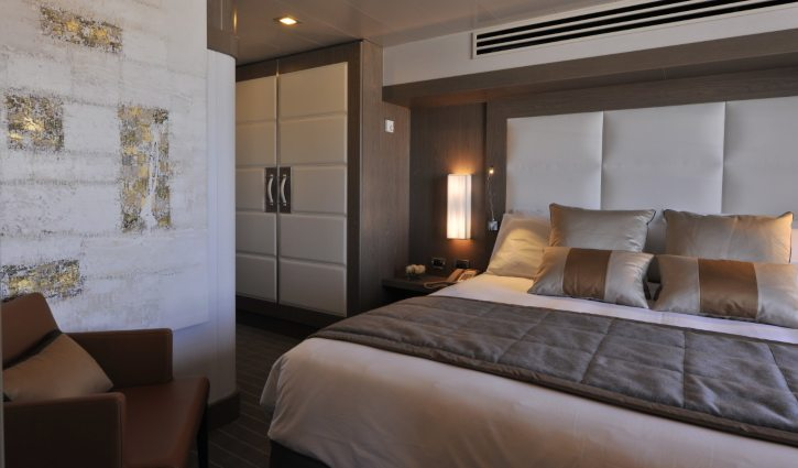 Le Boreal Owner's Suite bedroom and wardrobe