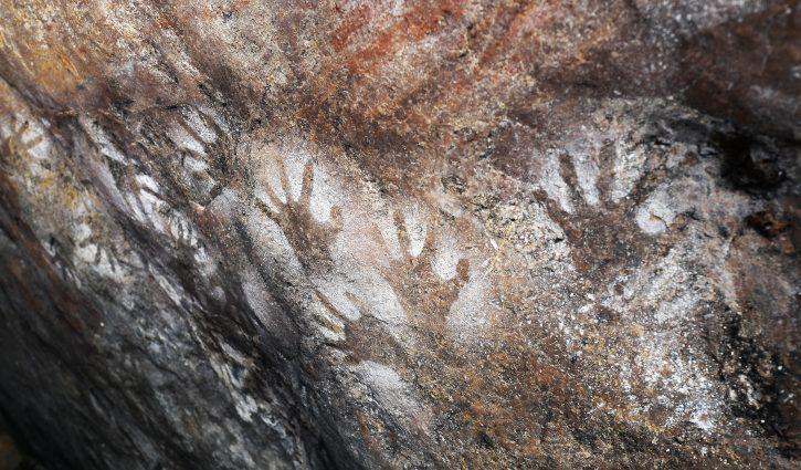 Aboriginal artwork hands - Alex