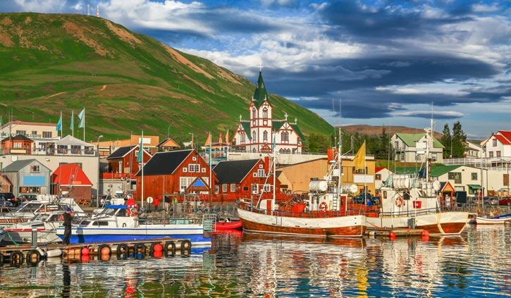Akureyri-Iceland-725-423--shutterstock_323907449