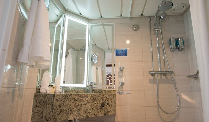 Owner Suite - Bathroom ocean adventurer