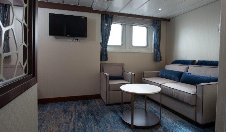 Owner Suite - Living room ocean adventurer