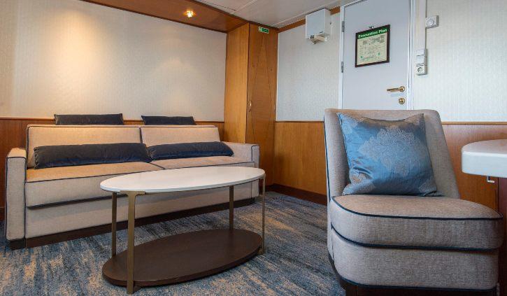 Suite - Living Room 2 ocean adventurer resize