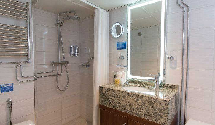 Suite - Shower ocean adventurer resize